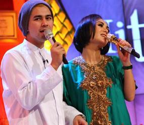 Foto Raffi dan Yuni - FOTO: Ayu Ting Ting dengan Raffi (Ilustrasi)