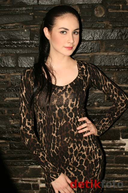 Dress Leopard Seksi Arumi Bachsin
