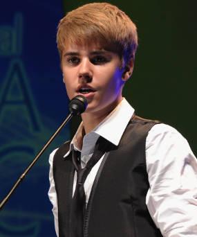 Dituduh Hamili Fans, Justin Bieber Akhirnya Buka Mulut