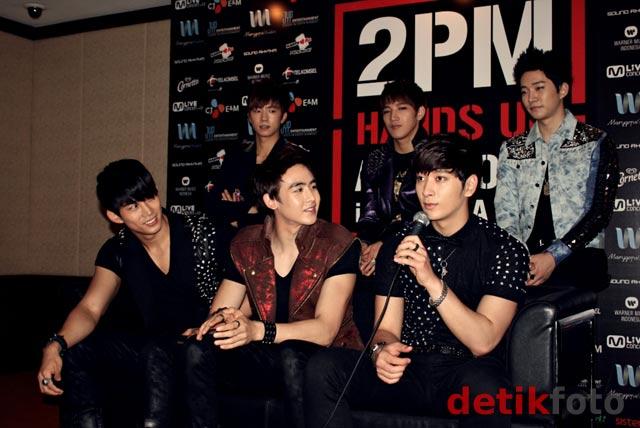 Melihat Lebih Dekat Para Personel 2PM