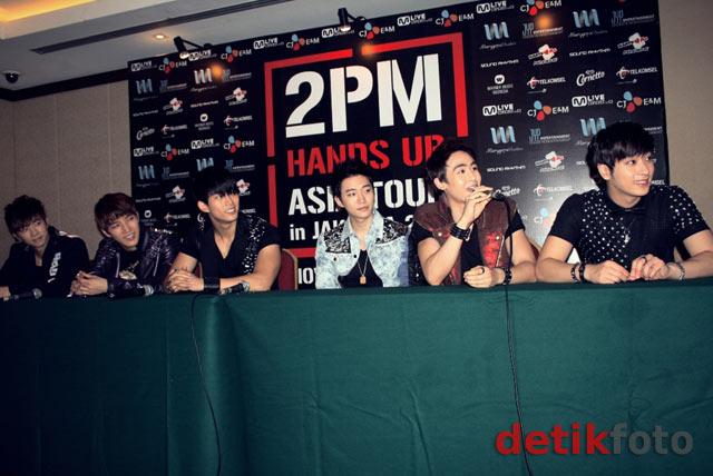 Yuk! Lihat Foto-foto Jumpa Pers 2PM