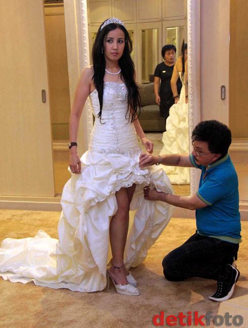 Ini Dia Gaun Pengantin Andi Soraya