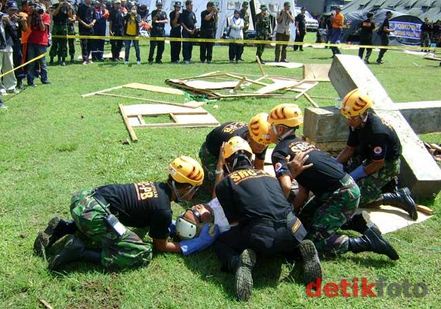 Simulasi Penanggulangan Bencana