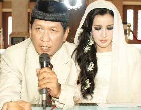 Video Pernikahan Andi Soraya dan Rudy Sutupo 2011