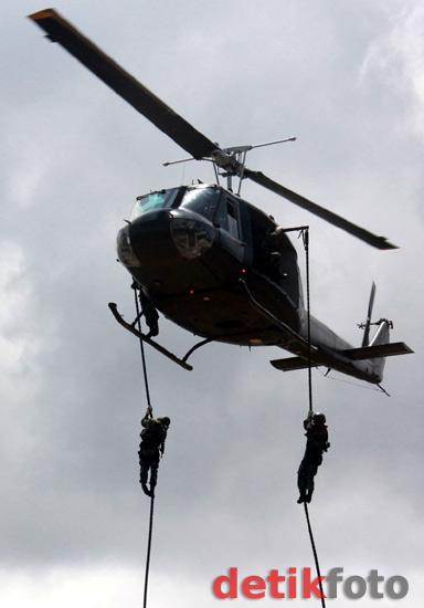Raider TNI AD Latihan Pendaratan Pasukan