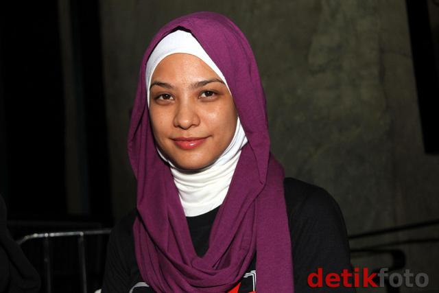 Rachel Maryam Makin Cantik dengan Jilbab