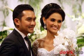 Video Pernikahan Prabu Revolusi & Zee Zee Terbaru 2011