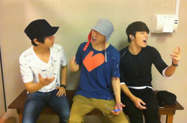 2NE1 dan Super Junior Jelang MAMA 2011