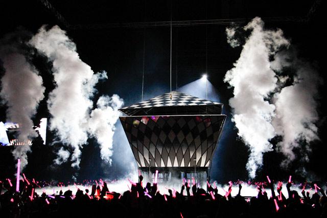 Megahnya Konser SNSD di Singapura
