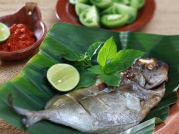 Ikan Bakar Makasar (Grilled Fish Makasar) - Indonesian Recipe