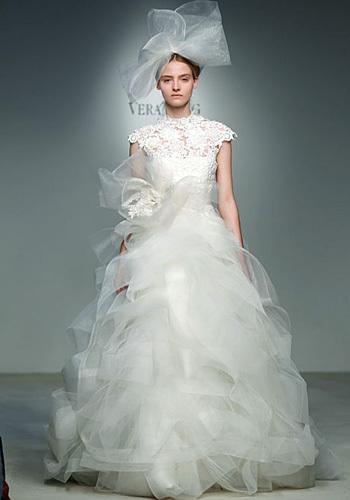 125803 wedding3  Tren Gaun Pengantin Tahun 2012
