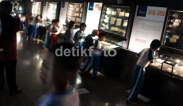 Melihat Koleksi Uang Lawas Indonesia