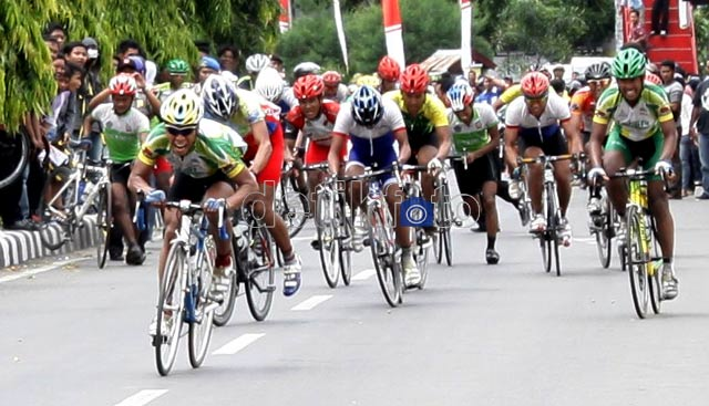 Malone Juara Tour de Lombok Sumbawa
