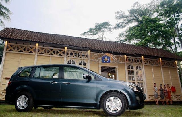 New Mazda8 Menjelajah Heritage