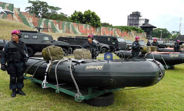 Pasukan Elit TNI AL Latihan Anti Teror