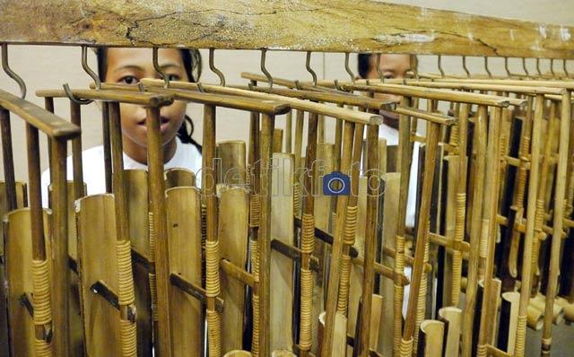 Harmoni Renyah Angklung Mang Udjo