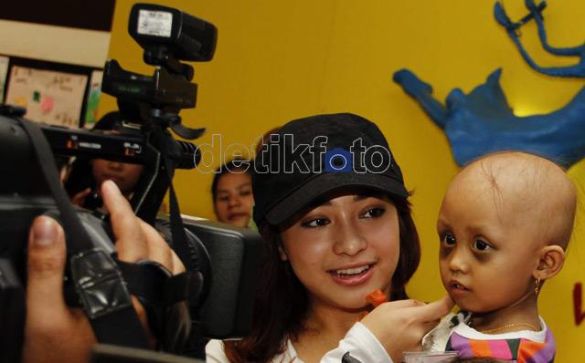 Nikita Willy Peduli Anak Penderita Kanker