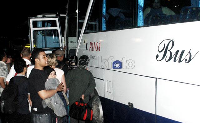 Sriwijaya Air Tergelincir, Penumpang Dialihkan