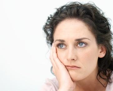 http://images.detik.com/content/2011/12/22/1135/womansad.jpg