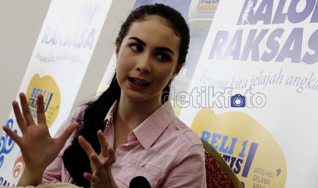 Kemeja Pink Arumi Bachsin