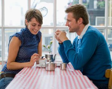 Tips Tunjukkan Cinta Tanpa Kata-kata Saat Pendekatan
