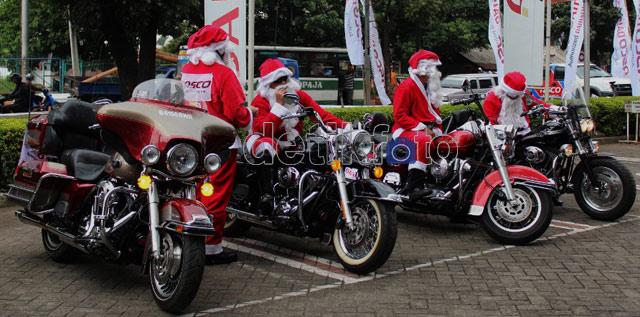 Santa Naik Harley Keliling Jakarta