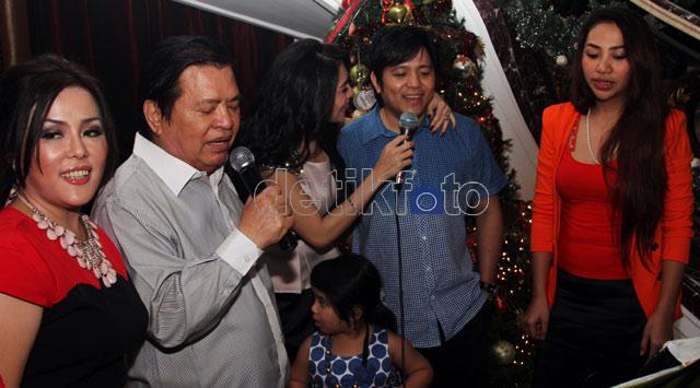 Natal Bersama Keluarga Angel Karamoy