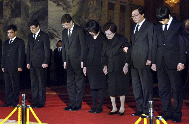 2 Tokoh Korsel Melayat Kim Jong-il
