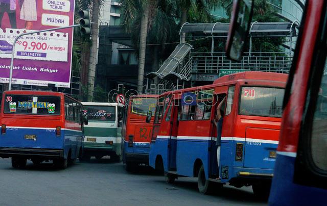 Transportasi Umum Kian Sekarat
