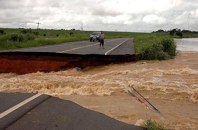 Banjir Landa Rio de Janeiro
