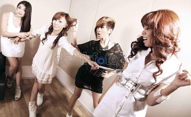 4 Lady Tak Mau Disebut Girlband