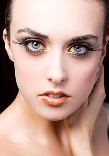 mata wanita sering dianggap seksi bagi pria menggunakan bulu mata