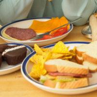 10 Makanan yang Terdengar Sehat, Tetapi Nyatanya Tidak