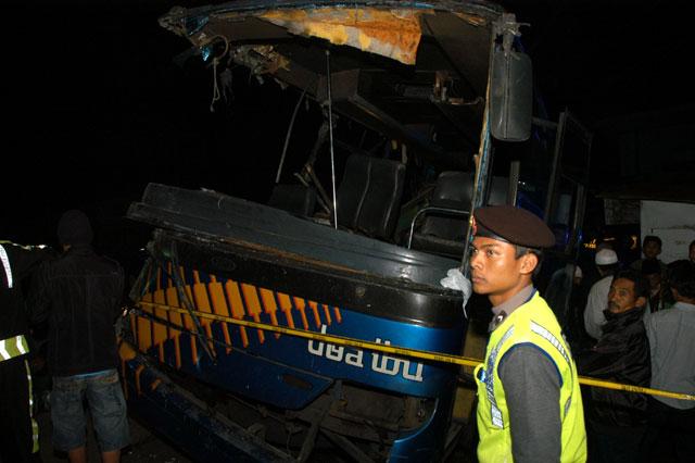 Kecelakaan Bus Maut Cisarua Tewaskan 14 Orang