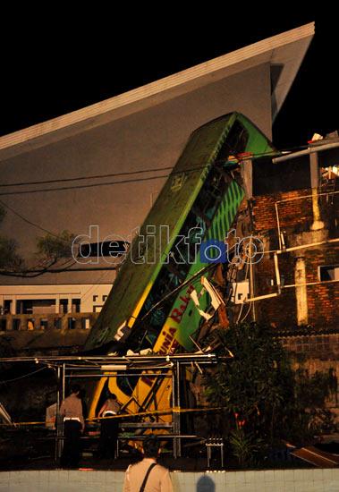 Foto-foto Kecelakaan maut Cisarua 20 Orang Tewas [EKLUSIVE]