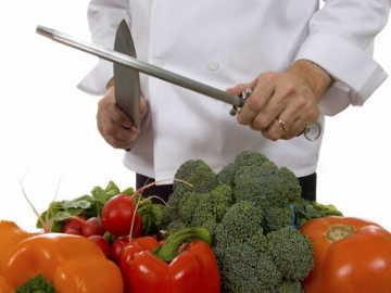 Makanan Restoran di Kanada Tercemar Bakteri Salmonela
