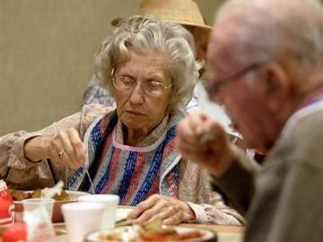 Makan Terlalu Banyak Turunkan Daya Ingat Pada Lansia