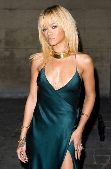 Rihanna Tampil Hot di London