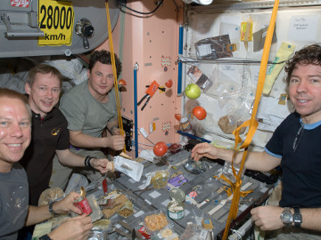 Astronot Minta Rasa Menu Luar Angkasa Lebih Spicy