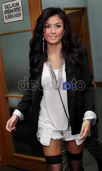 Agnes Monica Makin Hot!
