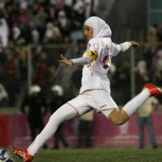 PBB Minta Jilbab Tidak Dilarang di Sepakbola