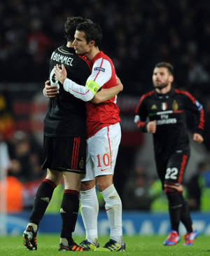 Video Gol Hasil Pertandingan Arsenal vs AC Milan Liga Champions Eropa 3-0