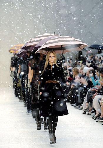 103849 show2 7 Fashion Show Yang Paling Menarik Perhatian di Dunia