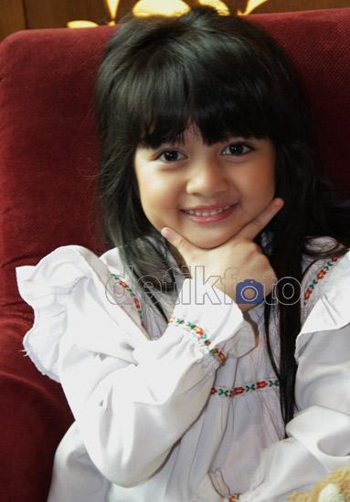 [imagetag] http://images.detik.com/content/2012/03/20/431/afiqah2.jpg