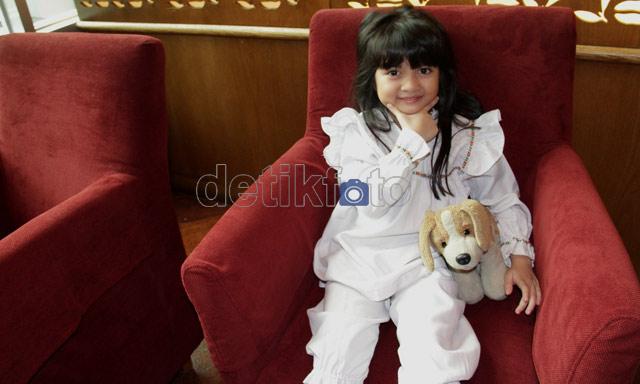 [imagetag] http://images.detik.com/content/2012/03/20/431/afiqah5.jpg