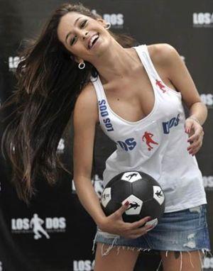 Nazar  Larissa Riquelme untuk El Salvador
