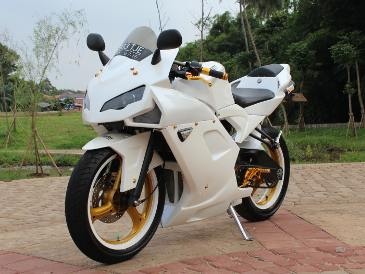 Modifikasi Yamaha Vixion Diubah Jadi Ducati 1198