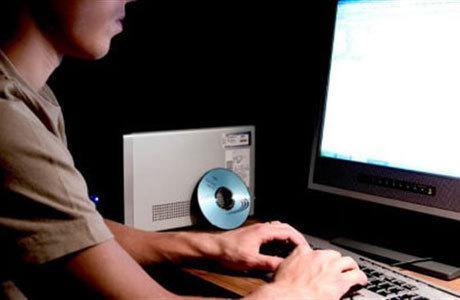 Ups! Usai Beraksi, Hacker Malah Tinggalkan Alamat Email