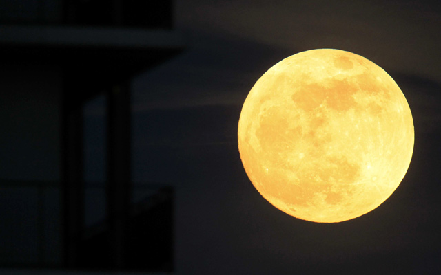 Indahnya Fenomena Supermoon