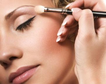 Tips Cara Memakai Eyeshadow yang benar